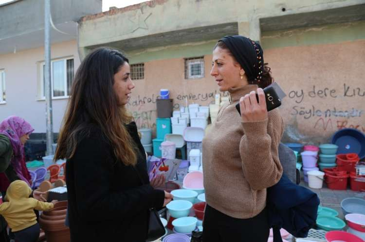 Çınar'da Kadınlara 25 Kasım Kitapçıkları Dağıtıldı