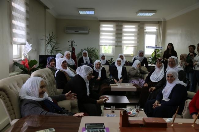 Barış Anneleri Çınar Belediyesi'ni Ziyaret Etti