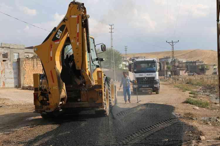 Çınar Belediyesi Aşağıkonak'ta Asfalt Çalışması Yaptı
